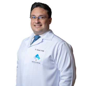 Dr. Eduardo Araújo